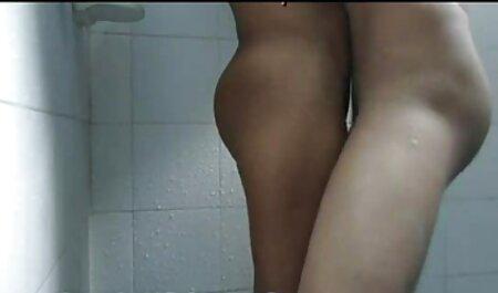 אדם עם גבר מול מצלמה ביצע מלכודת אתר סרטי סקס חינם גדולה.