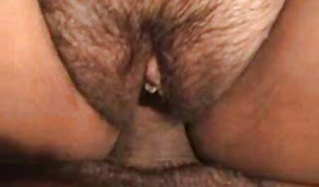חברה שובבה זיין על ידי סרטי סקס מלא חינם ארבעה גברים