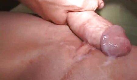 חובבן שנתפס סרטי סקס לצפיה מידית במקלחת והלך לזיון עמוק בתחת