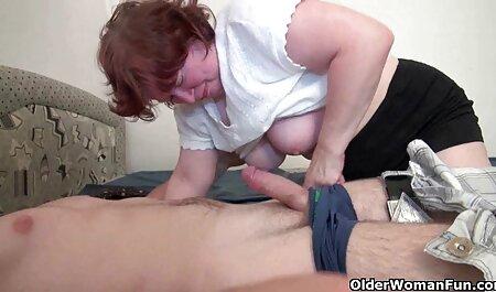שני גברים צפייה ישירה סרטי סקס לזיין זונה צעירה