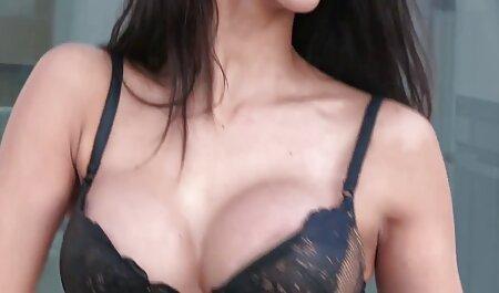 מתרבה סרטי סקס חינם ללא תשלום על זין עם זנב בפי הטבעת.