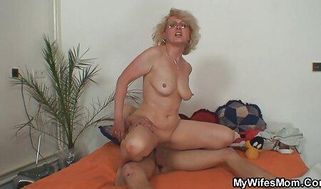 אורגזמה אמיתית במצלמת יופי לבחורה יפה במהלך סקס חינם סרטים אוננות