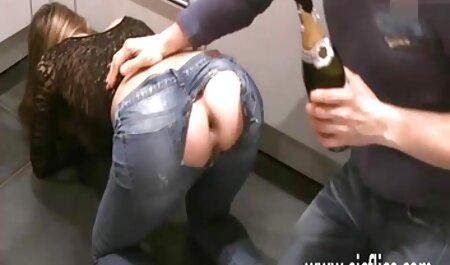 היא גרמה לאורגזמת הבוקר שלה אצבעות הכוס החם שלה סרט סקסי חינם