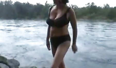 Watch with girl מציצה סרטון with natural tits