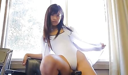 רגליים סרטונים של סקס חינם קטנות פתוחות לרווחה, אבל שום דבר על זה